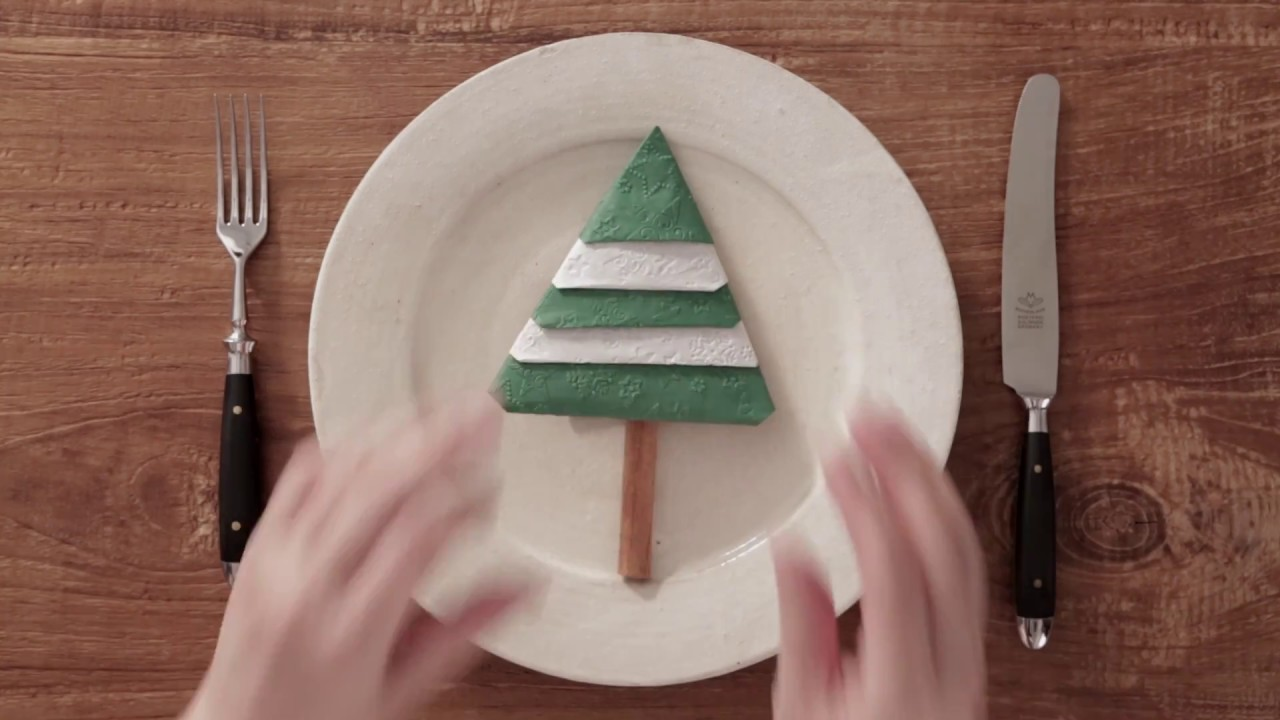 Three Christmas Napkin Folds- Christmas Elf Shoes - A Labour of Life   720x1280
