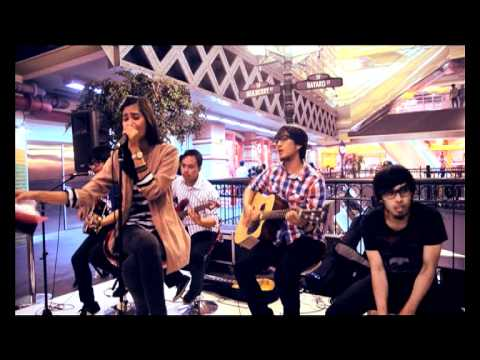 Kiss Me from sixpence none the richer (acoustic cover by Sunset Groove)