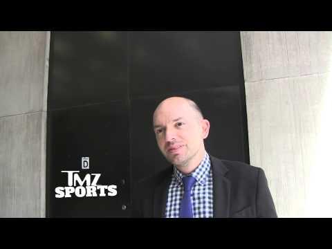 'The League' Star -- Wes Welker Deserves a Molly Pass!!