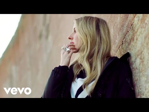 Dave Alexander - Ellie Goulding Helps the Planet in Video for Christmas Cover of 'River'