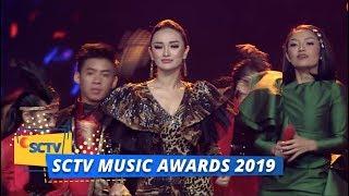Siti Badriah dan Zaskia Gotik - Lagi Syantik | SCTV Music Awards 2019