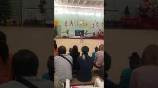 Моя сестра выступает ( поставьте лайк аж и подпишись на канал ) (гимнастика