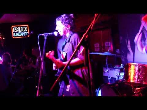 Alex Napping- Catcalls (Live @ Hotel Vegas)