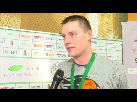 Tauragės KK žaidėjas T.Žioba po laimėto RKL aukso
