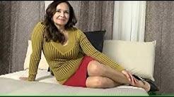 Femme mature en sous vêtement
