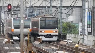 201系復刻塗装編成 神田を発車