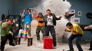 Repeat youtube video Top 10 Jackass Movie Stunts
