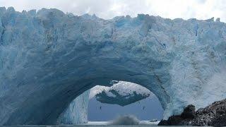 Обрушение ледников - потрясающее зрелище