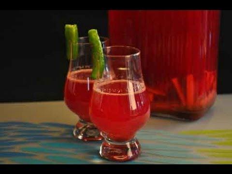 Printable Recipe: http://showmethecurry.com/beverages/gajar-carrot