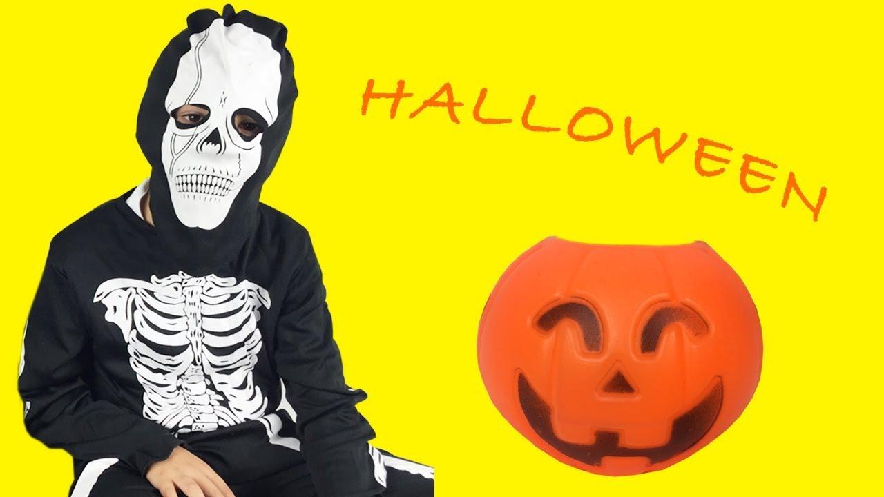 Halloween Filmpjes Nederlands.Halloween Nederlands Filmpje Skelet Maakt Kinder Surprise Eggs Open Speelgoed Filmpje