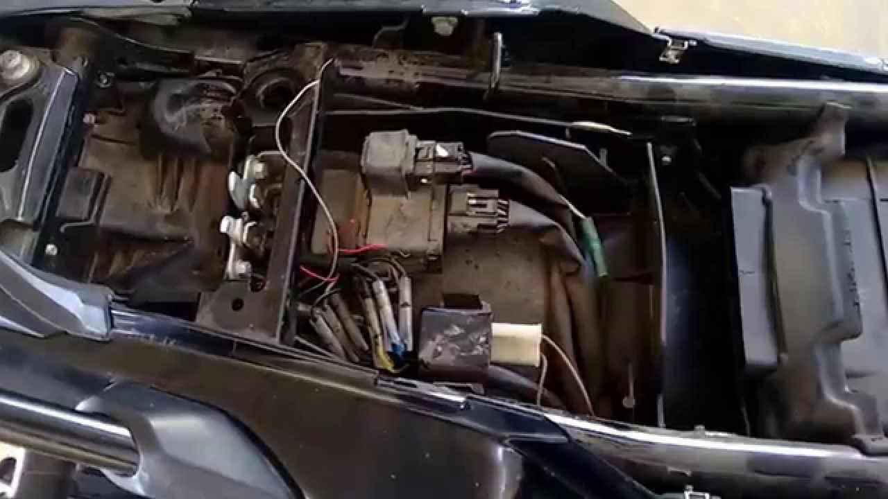 f1 style brake light on yamaha fz india [ 1280 x 720 Pixel ]