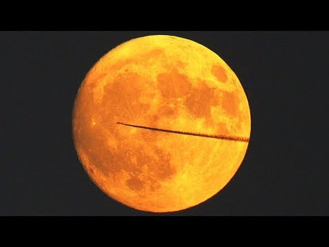 Red Moon Rising Time Lapse 4K