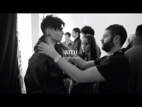 BACKSTAGE OF THE FALL WINTER 2016 SHOW