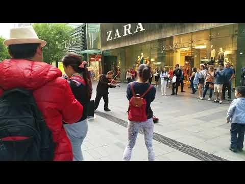 Australia - Busking in Pitt St mall, Sydney - Oct 2017