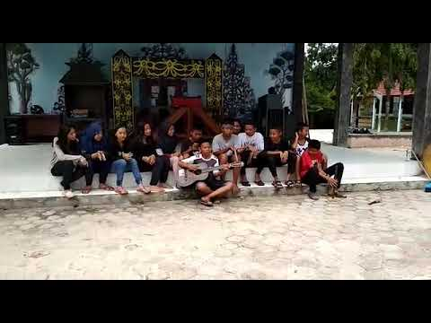 Sanggar bawi kameluh smp n 7 arut selatan menyanyikan lagu RKS Rindu Kampung Seko
