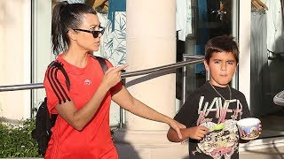 See Kourtney Kardashian Tell A Pap To Back Off!!!