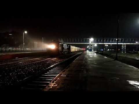 darjeeling-mail-&-paharia-express-skip-bagdogra-||-first-inaugural-run-||-indian-railways
