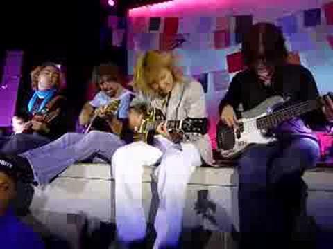 Melissa Etheridge playing guitar on Bring Me Some Water