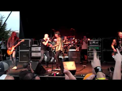 Fuel & Chris Daughtry Live Hemorrhage In My Hands