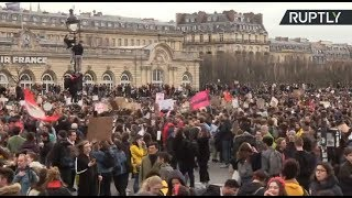 Students call for massive strike in Paris against climate change