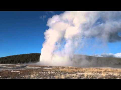Old Faithful Geyser -Yellowstone National Park - Estados Unidos
