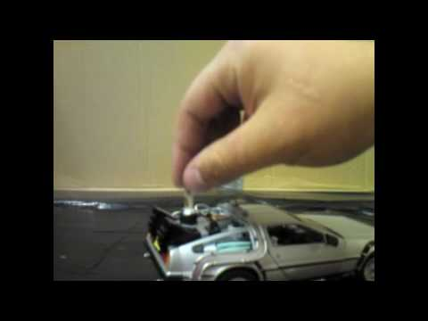 Back To The Future Part II 1:24 Scale Die-Cast DeLorean Toy Review