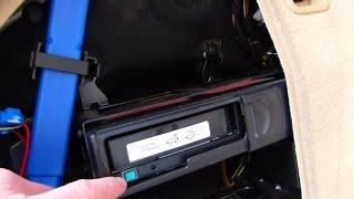 Comment retirer le chargeur 6 CD sur BMW E90