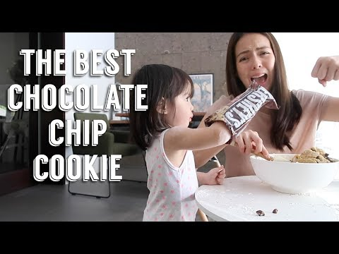 The Best Chocolate Chip Cookies + Baking with your Toddler | Andi Manzano