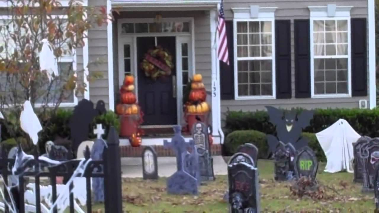 fall outdoor decor and extreme halloween houses youtube - Extreme Halloween Decorations