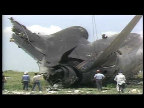 RAW VIDEO | Delta 191 crash at D/FW Airport in 1985
