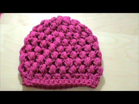 ca073fc256b Πλεκτό σκουφάκι με πλέξη κουκουτσάκι (puff stitch) με βελονάκι - YouTube