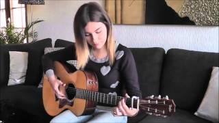 Download Девушка нереально красиво играет на гитаре! Mp3 and Videos
