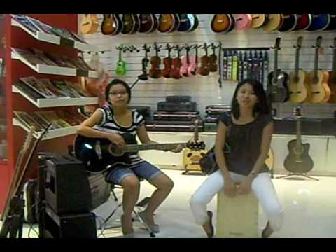 Guitar Store - Dubai Mall