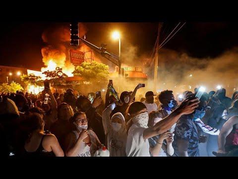 شاهد: مينيسوتا تشتعل ونشر الحرس الوطني لإخماد الإضرابات …  - 12:02-2020 / 5 / 29