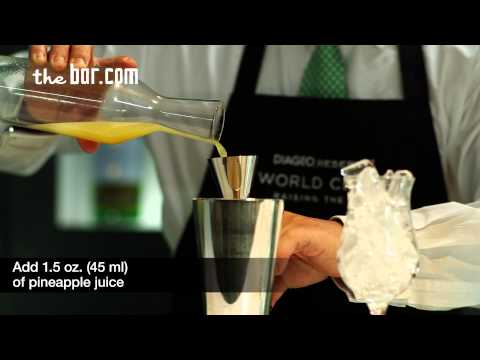 Piña Colada Cocktail Recipe - How to Make a Piña Colada Cocktail