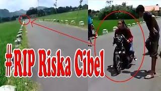 Video Riska Cibel RIP - berikut video detik-detik saat kecelakaan tersebut terjadi ! download MP3, 3GP, MP4, WEBM, AVI, FLV September 2017