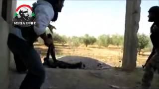 Siria - Francotirador da de Rebote a un Terrorista por culpa del Curioso Amigo - Septiembre 2013