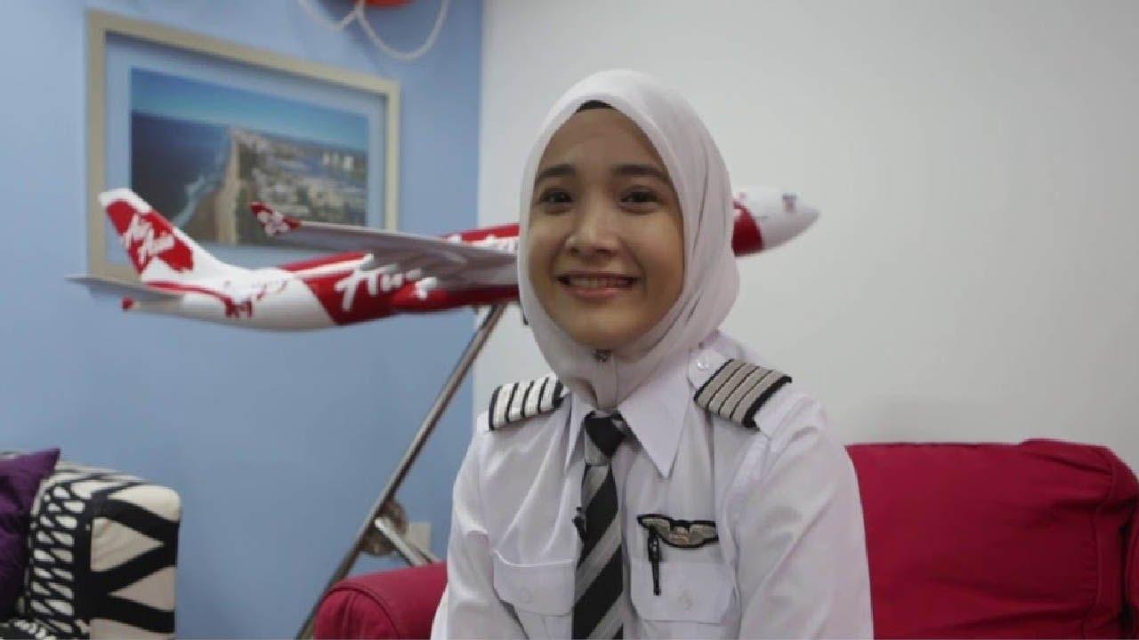 awas gagal fokus 7 pilot wanita paling cantik di dunia