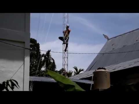 Video Cara Pasang Antena Radio IP Untuk Menagkap Sinyal Pada Tower Triangle