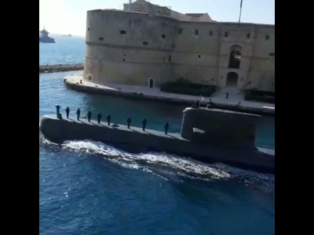 Oraquadra: il sommergibile Gazzana Priaroggia a Taranto