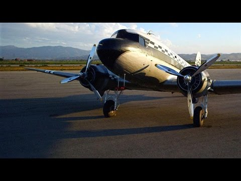 Why the DC-3 Continues to Fly Decades After WWII