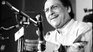 Chamakte chand ko toota hua tara bana dala (Ghulam Ali)