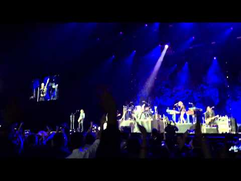 Bon Jovi Live in Macao 26 September 2015 - opening / the radio saved my life tonight