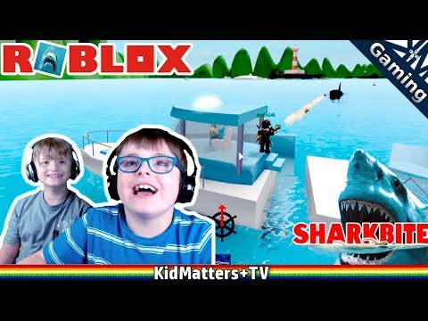 ROBLOX Shark Bite! BAZOOKAS & a couple...