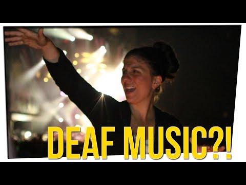 Sign Language Interpreter Goes Crazy at Snoop Dogg Show! ft. Anthony Lee & Megan Batoon