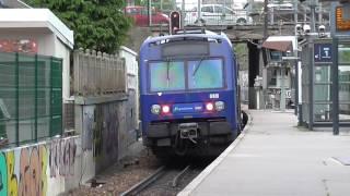 Z8800 : Départ de la gare de Suresnes Mont Valérien sur la ligne U du Transilien