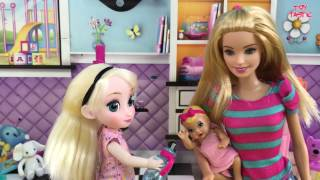 New Baby Doll Feeding changing Diaper! Barbie Babysits Elsa Anna & New Born Baby Doll Alive!