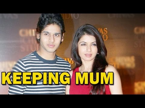 Bhagyashree avoids questions on her son's bollywood debut ...