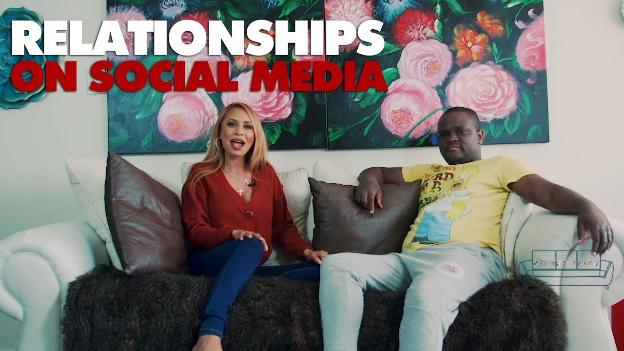 On the couch – Relationships on social media