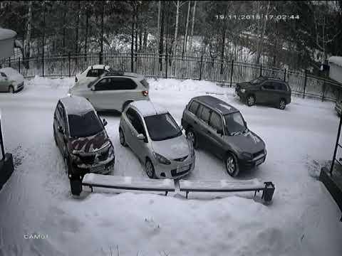 Автоледи на парковке ДТП